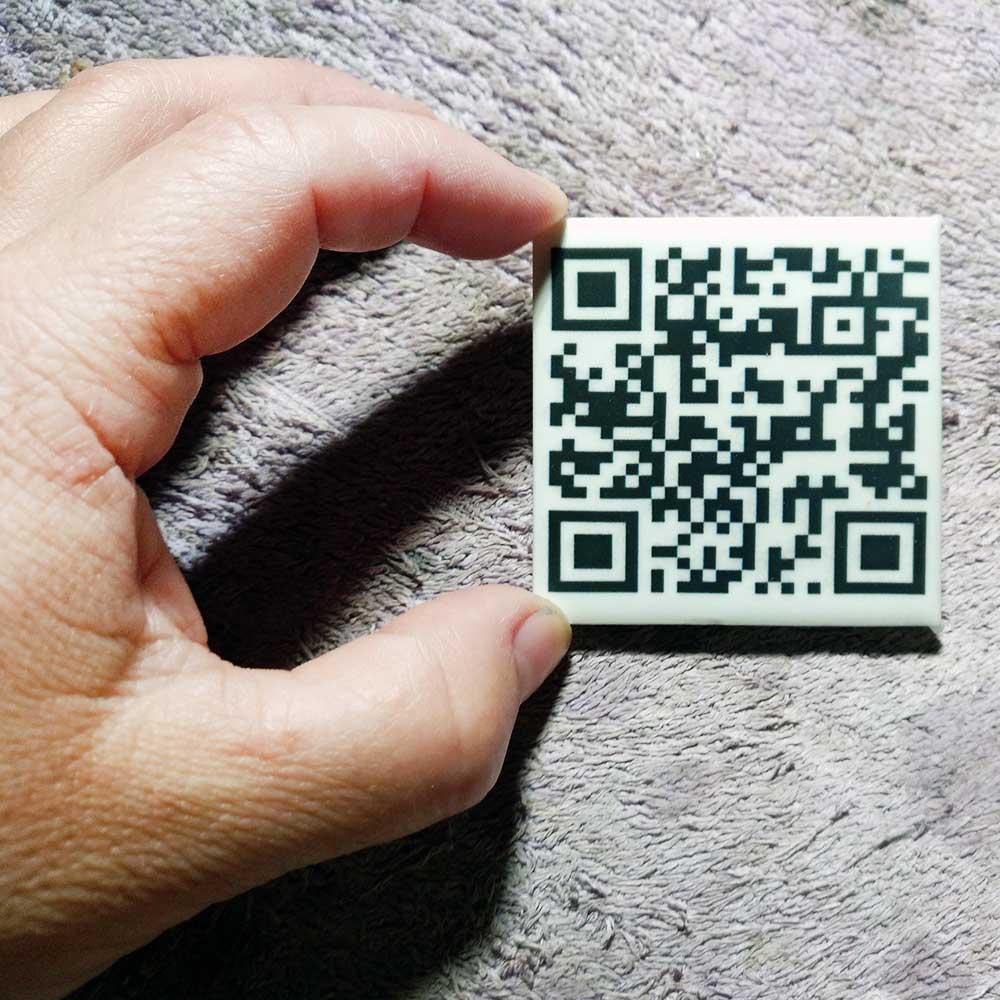 Códigos QR informativos de cerámica - Druyen Fotocerámica y Deco